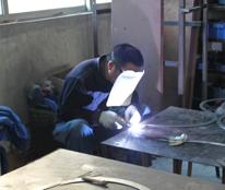 九鼎灯具灯具焊接